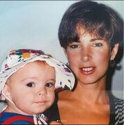 Δείτε την μητέρα της Emily Ratajkowski. Να πού έμοιασε τελικά…