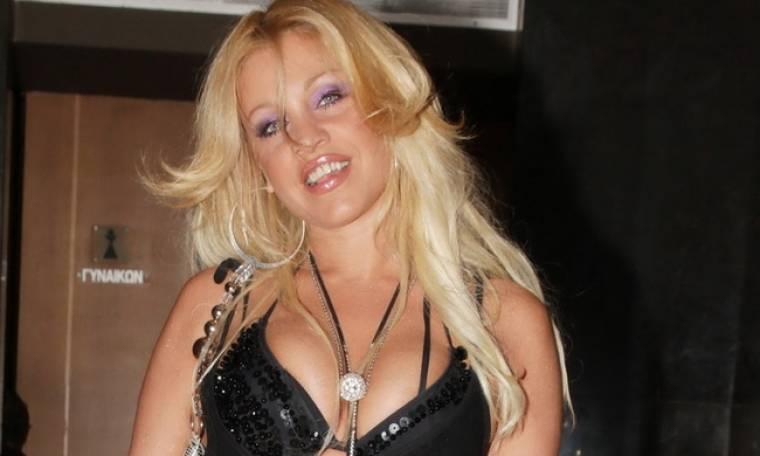 Σαμπρίνα: «Στην Ελλάδα τα περισσότερα χρήματα τα κέρδιζαν οι  καλλιτέχνες που τραγουδούσαν λαϊκό»