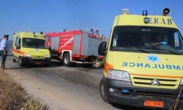 Σοβαρό τροχαίο στην Πάτρα: Αυτοκίνητο έπεσε σε γκρεμό (pic&vids)