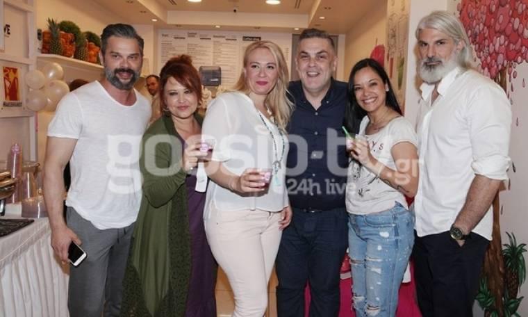 Οι Celebrities σε εγκαίνια στο Φάληρο