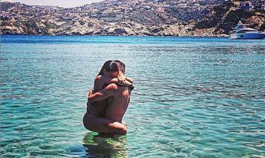 Ο Έλληνας ποδοσφαιριστής και η Σταρ Ελλάς παντρεύτηκαν λίγο πριν έρθει στον κόσμο ο γιος τους!