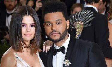 Η Selena Gomez σπάει τη σιωπή της και μιλάει για πρώτη φορά για τη σχέση της με τον Weeknd