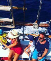 Η Ναταλί Κάκκαβα αναπολεί το περσινό οικογενειακό καλοκαίρι