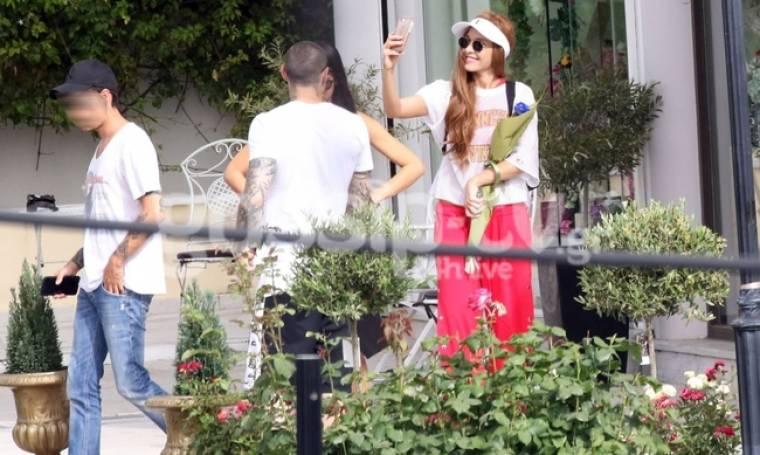 Τάμτα: Η selfie στην Βουλιαγμένη και η βόλτα με τον Κασιδόκωστα