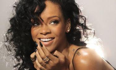 Η μυστηριώδης εμφάνιση της Rihanna και οι φήμες περί εγκυμοσύνης