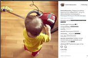 Κατερίνα Καραβάτου: Ο γιος της πήρε την σφουγγαρίστρα και... κάνει δουλειές (φωτό)