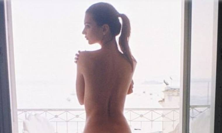 Emily Ratajkowski: Έριξε το Instagram με την γυμνή φωτογραφία της