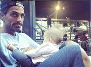 Στέλιος Χανταμπάκης: Η φωτό με την έξι μηνών κόρη του και το μήνυμά του