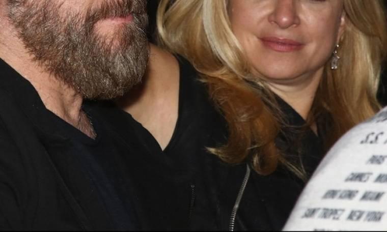 Δείτε ποιοι είναι. Έρχεται στεφάνι για ζευγάρι της showbiz (Nassos blog)