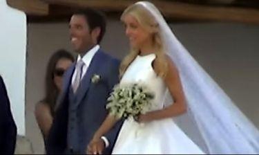 Γάμος Δούκισσα-Θεοδωρίδης: Η άφιξη της νύφης, το γραφικό εκκλησάκι και οι καλεσμένοι!