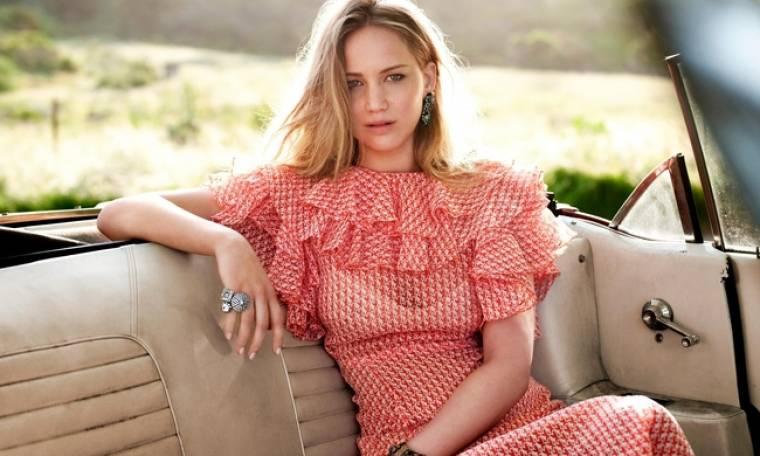 Τρόμος στον αέρα για την Jennifer Lawrence. Αναγκαστική προσγείωση για το ιδιωτικό jet της