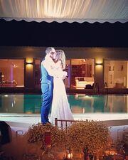 Γνωστό ζευγάρι της ελληνικής showbiz ανέβηκε τα σκαλιά της εκκλησίας