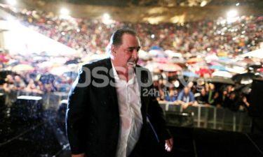 Διεκόπη για λόγους ασφαλείας η συναυλία του Βασίλη Καρρά! Τι συνέβη; Δείτε φωτογραφίες!