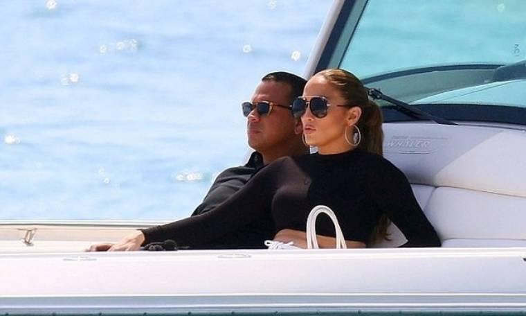 Jennifer Lopez: Ζει τον έρωτά της στην Γαλλία
