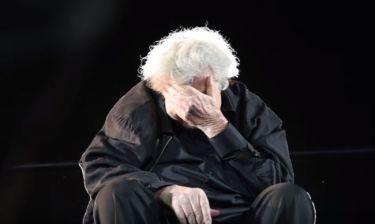 Συγκλονιστική στιγμή: Τα κλάματα του Θεοδωράκη στο τελευταίο τραγούδι της συναυλίας στο Καλλιμάρμαρο
