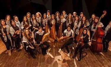 Η γυναικεία ορχήστρα Banat al-Quds στο Θέατρο Βράχων