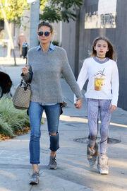 Μαμά και κόρη μοιάζουν απίστευτα