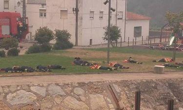 Η ξεκούραση των πολεμιστών: Οι φωτογραφίες με τους Πορτογάλους πυροσβέστες που έγιναν viral