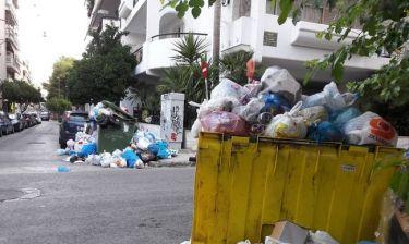 Σκουπίδια: Συνεχίζει τις κινητοποιήσεις η ΠΟΕ-ΟΤΑ, αναστολή της αποχής αποφάσισε η ΠΟΠ-ΟΤΑ