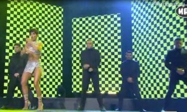 MAD VMA: Η σούπερ σέξι εμφάνιση της Φουρέιρα με ανδρικό μαλλί