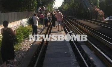 Συναγερμός στον ΗΣΑΠ – Κατέβασαν τους επιβάτες από το συρμό (pics)
