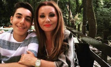Ο γιος της Μαλλιωτάκη έγινε μοντέλο – Η πρώτη του φωτογράφηση, οι κριτικές και η στήριξη της μαμάς