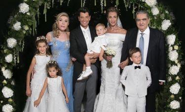 Γάμος Ρουβά-Ζυγούλη: Η πρώτη επίσημη φωτογραφία του ζευγαριού με τα παιδιά και τους κουμπάρους τους