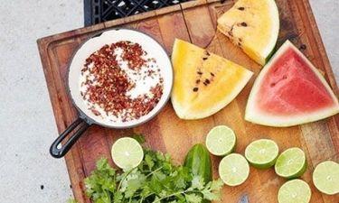 Σε πονάει το στομάχι σου; Αυτές είναι οι 5 τροφές που πρέπει πάντα να έχεις στο σπίτι σου