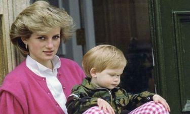Όταν ο πρίγκιπας William τραβούσε φωτογραφίες με την μαμά του