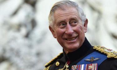 Ο μίμος πρίγκιπας Κάρολος – Τι κάνει στα εγγόνια του και ξετρελαίνονται;