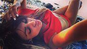 Μίνα Αρναούτη: Προκάλεσε εγκεφαλικά με το μικροσκοπικό κόκκινο μπικίνι της