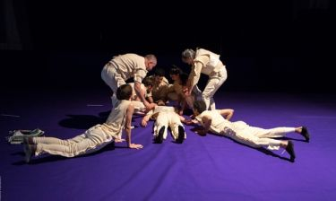 Οι Βάκχες, σε σκηνοθεσία Έκτορα Λυγίζου για μια παράσταση στους Δελφούς