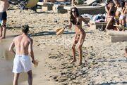 Το… απόλυτο κορμί σε παραλία της Μυκόνου