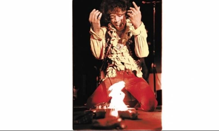 Ακυκλοφόρητες φωτογραφίες του θρύλου της ροκ, Τζίμι Χέντριξ