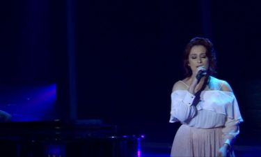 X Factor: Η Σούλα Ευαγγέλου ερμηνεύει «Σε γυρεύω» και ενθουσιάζει