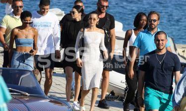 Οι φωτογραφίες Jenner – Hadid από τη Μύκονο και η λεπτομέρεια που δεν πρόσεξε κανείς!