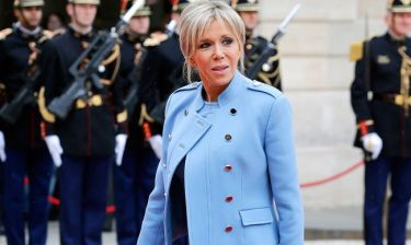 Ύμνοι για τις γάμπες της πρώτης κυρίας της Γαλλίας