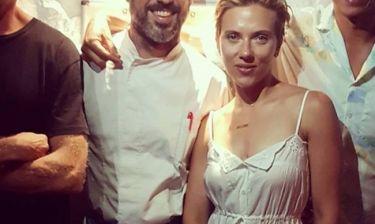 Στην Σίφνο η Scarlett Johansson