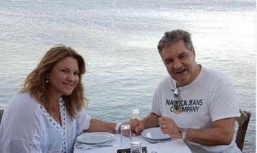 Δέσποινα Μοιραράκη: Για φαγητό με τον σύζυγό της με φόντο την Σπιναλόγκα