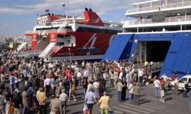 Έρημη πόλη η Αθήνα – «Βουλιάζουν» τα λιμάνια από τους εκδρομείς του Αυγούστου