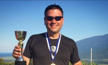 Ντίνος Σιωμόπουλος: Ο συνεργάτης του Γιώργου Παπαδάκη πήρε χρυσό μετάλλιο στη σκοποβολή!