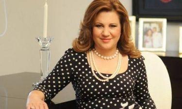 Η Δέσποινα Μοιραράκη άβαφη και με… μαγκούρα στην Κρήτη