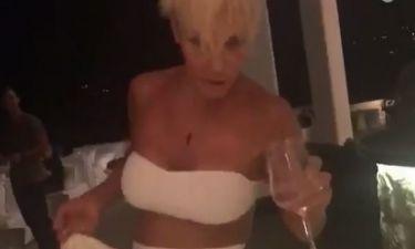 Νατάσα Καλογρίδη: Η απάντηση για το βίντεο που παραπατά μεθυσμένη