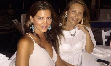 Τσιμτσιλή - Ζαχαρέα: Η selfie τους με μαγιό σε παραλία της Πάρου