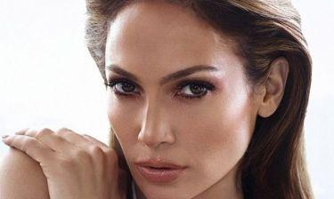 Αυτή τη beauty blogger μεταμορφώνεται σε Jennifer Lopez μέσα σε 60''!