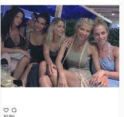 Σάντυ Κουτσοσταμάτη: Το πάρτι γενεθλίων με τις διάσημες φίλες της – Πόσο χρονών έγινε;