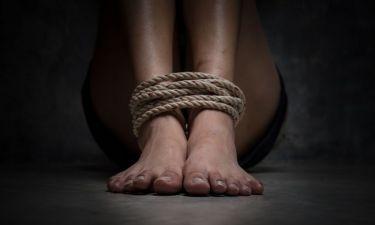 Απίστευτη ιστορία! Σκλάβα του σεξ γνωστό μοντέλο