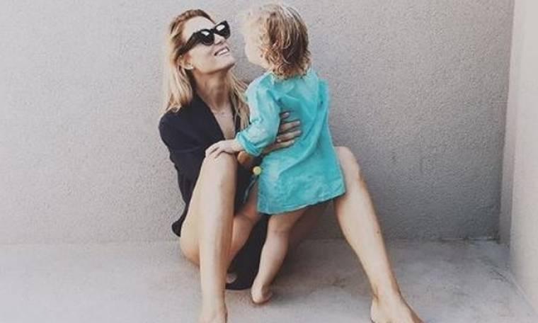 Βίκυ Καγιά: Η φωτoγραφία με φουσκωμένη κοιλιά, που φουντώνει τις φήμες για δεύτερη εγκυμοσύνη