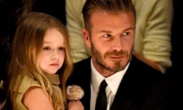 Έκλεψε την παράσταση! Η Harper Beckham σε μία εμφάνιση με την οικογένεια της που θα συζητηθεί