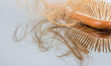 Απώλεια μαλλιών: Τρεις φυσικές θεραπείες που πρέπει να δοκιμάσεις